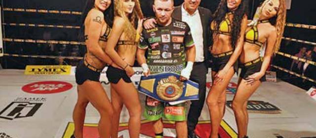 Zamkowy sukces bokserski w Szydłowcu