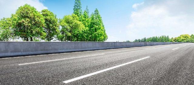Wykonawcy dróg wybierają asfalt